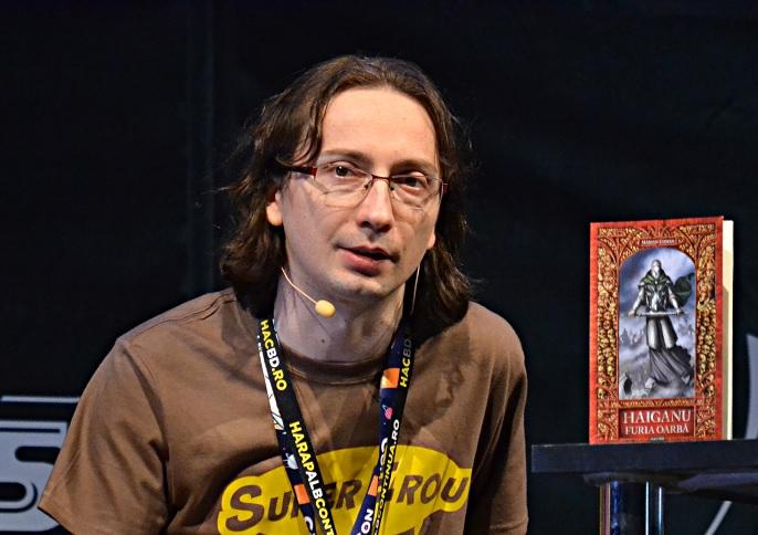Scriitorul Marian Coman